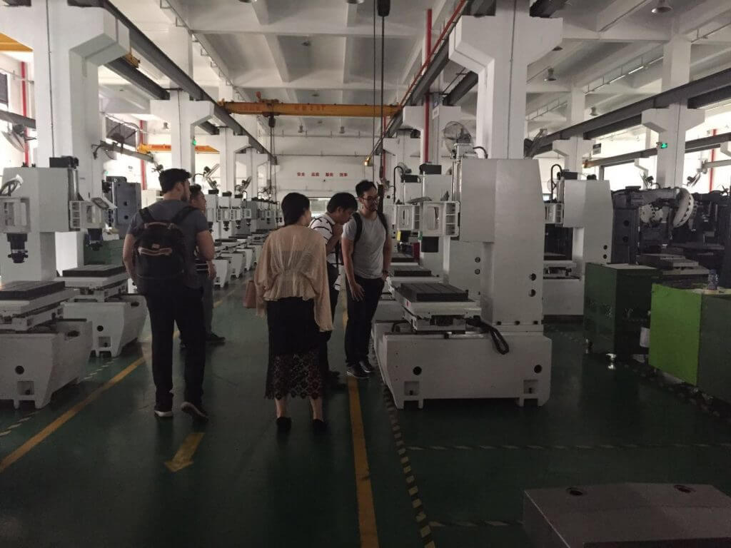 Indonesian customers come to buy CNC gantry machining center