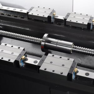 High-speed linear guide